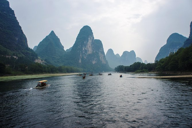 Ever wondered if it worth staying in Guilin? This tour is proof that the stunning landscapes, a mere 30 minutes' drive away from your hotel, are just the natural remedy for a relaxing Li River cruise and blissful Yangshuo to top off this perfect day.<br>• See the breathtaking natural landscape of China; <br>• Board a leisurely cruise from Guilin to Yangshuo<br>• Wander along the shops in Yangshuo's West Street<br>• Lunch is included on board the cruise ship<br>• Return transfers from and to your hotel are included<br>