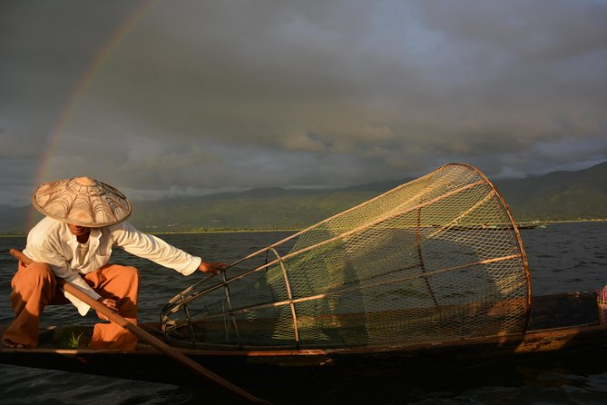 Inle Lake is a highlight of Myanmar. Discovering beautiful nature, unique local life for a full day to Inle Lake & Inn Dein area is totally worth for your visit. <br><br>Highlights <br> • Lunch included <br> • Travel by boat and see the sights from the water I <br> • deal choice for families <br> • Get inside tips from a local <br> • Excellent value for money