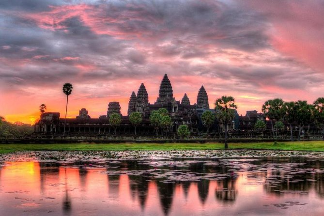JOURNEY HIGHLIGHTS<br> • Witnessing the enchanting faces of Bayon Temple and Angkor Thom<br> • Visiting the most famous landmarks in the ancient city of Angkor<br> • Exploring the vast and fascinating grounds of Angkor Wat<br> • Watching the sun set behind Angkor and its surrounding jungle from the top of Pre Rup Temple