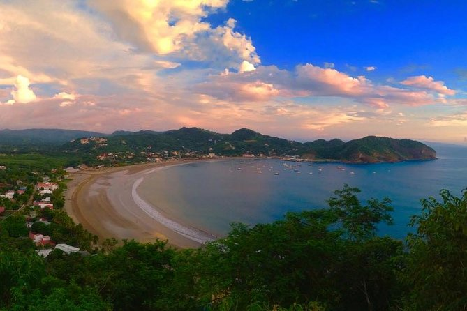 Local Flavors of San Juan del Sur <br>Beaches & Seafood<br><br>The department of Rivas has incredible beaches along the pacific. On this day trip, you will have the opportunity to see more of this amazing area and you will get to try some incredible seafood at famous beachfront restaurants. This is one of the few places where you'll be able to sink your feet on the sand and see the crashing of waves as you lay back, sip on your cold beer or cocktail as you wait for an amazing seafood extravaganza.