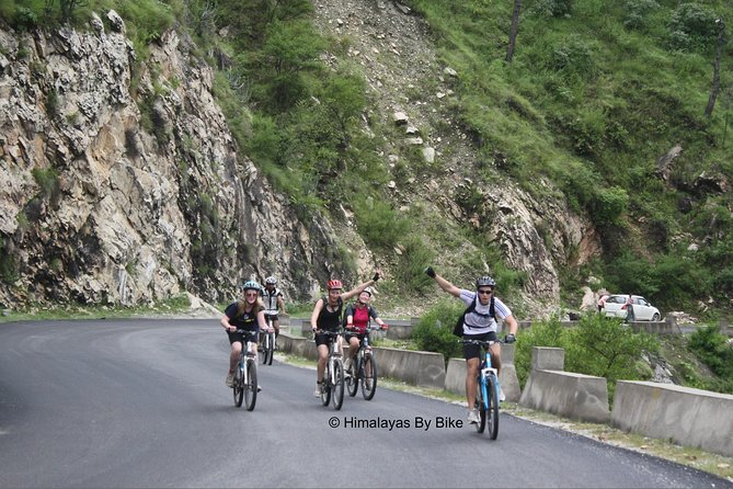 A fun cycling day tour that shows you the highlights of Manali from your mountain bike including the picturesque village of Vashsiht and the Hadimba and Manu Temples in Old Manali. This sightseeing tour provides a real insight into local Himalayan life and culture as well as being surrounded by magnificent Himalaya vistas. Everywhere you look you will see snowy mountain peaks!