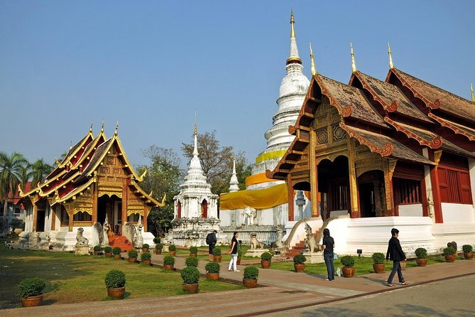 Explore the city of Chiang Mai and learn about it's historic temples, take a ride on a trishaw through the old town, visit temples and local markets. Sample some local dishes, aka Street Food.