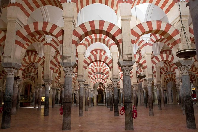 Córdoba in Depth is the ideal guided 4-hour tour for those who want to know the main monuments of Cordoba in a short time. You will see Jewish Quarter, Mosque-Cathedral, Synagogue, Saint Bartolomew Chapel, Municipal Souk,Alcazar of the Christian Monarchs and even get to taste some tapas. Tickets to monuments are not included on this walking tour.
