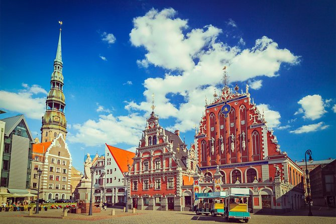 Join our entertaining trip from Tallinn to Riga through the picturesque towns of Viljandi, Valga, Cēsis, and Sigulda. We'll bring you to places you would not find on your own and help you discover two countries in one day.