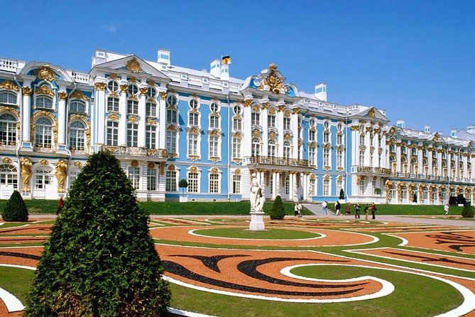 2 days is the most popular period for cruise ships to stay in St Petersburg and one of the greatest opportunity to see the most of the city and its environment.