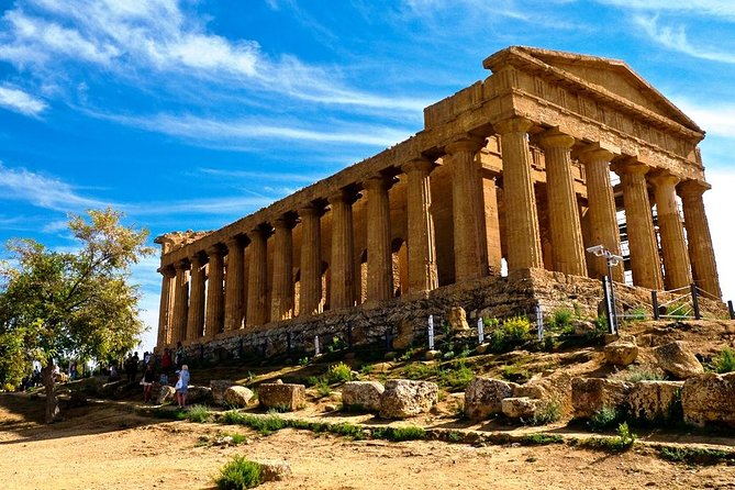 Back to the glorious Sicilian past. <br><br>The tour will take you to Greek and Roman times through a delightful excursion. <br><br>During the day you will see the astonishing temples of the valley (Temple of Juno, Concordia, Hercules, Zeus and others). <br><br>After lunch break you will head to Piazza Armerina, the splendid medieval village founded by Normands in XI century and you will visit the UNESCO world heritage Villa del Casale, a Roman villa built in the IV century decorated with incredible and well preserved mosaics.
