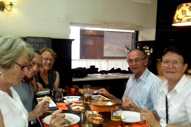 Jerez de la Frontera Private Tapas Walking Tour with Food Market, Cadiz, ESPAÑA