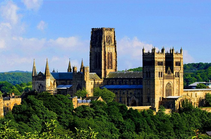 A day tour to one of the most beautiful and historic small cities in Britain. Famous for its magnificent cathedral, castle, winding streets and old market places and with wonderful views of the river far below. Durham is not to be missed!