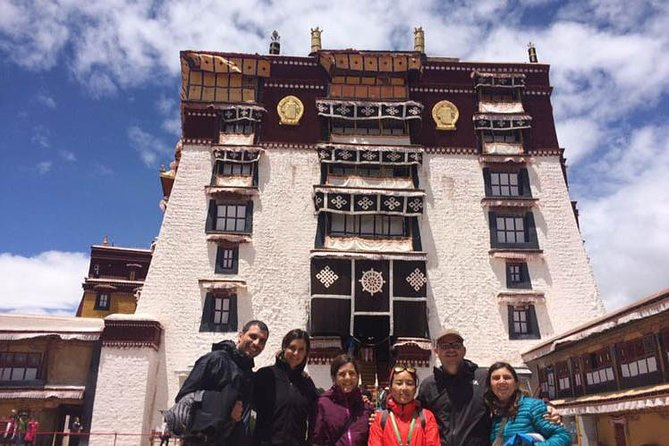 Book our Lhasa Flexible Tour if you would like to make your own accomodation arrangements and decide which places to visit once you arrive to Lhasa. <br><br>Delve into the forbidden city of Lhasa and discover the Tibetan culture.<br><br>The heart of Tibet remains in the capital of the land of the snows and its surroundings. For centuries entrance was forbidden to all foreigners who tried to trespass the gates of the walled city. Now, and since a few decades ago, you have the great fortune to admire its treasures and be trapped by the deep mysticism of its people. A wonderful cherry during your trip through China, Nepal and other Himalayan regions that you will never forget.