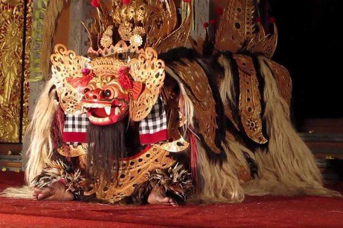 Package Private Tour we offer to you<br><br>Watching Barong Dance, Beautiful Batur Volcano, Lunch at local restaurant area batur volcano, Besakih Temple,Ubud market and ubud palace,Visiting art village arount ubud,Visiting Batu Bulan village, the central of batik, and afterward visiting Celuk Village, the center of gold and silver crafts, and visit Mas Village, a sculpture center and then visiting the Ubud village, the center of craft painting.<br><br>Visiting coffee, chocolate and spice plantations and while drinking coffee and ginger tea, while enjoying a natural village atmosphere, it's free<br><br>Never missed the beauty of Bali nature has offer. Our friendly Bali Tour Driver always give the best service during the tour with ride the private car.<br><br>If there is a place that you do not want to visit, immediately talk with the driver to continue the next trip. the satisfaction and comfort of your trip is our goal<br><br>Make this tour package your choice. You will get an unforgettable personal experience.