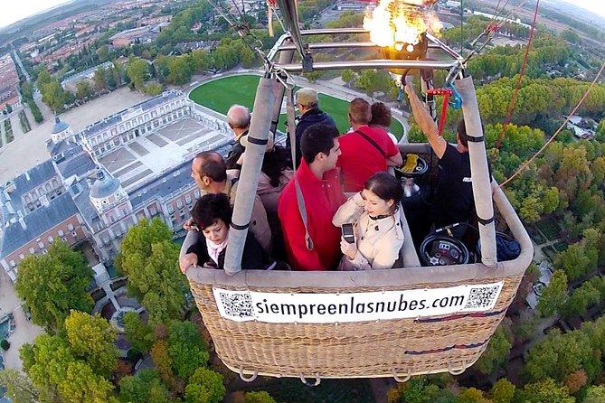 Voo de balão de ar quente sobre Segóvia ou Toledo com transporte opcional saindo de Madri, Toledo, Espanha