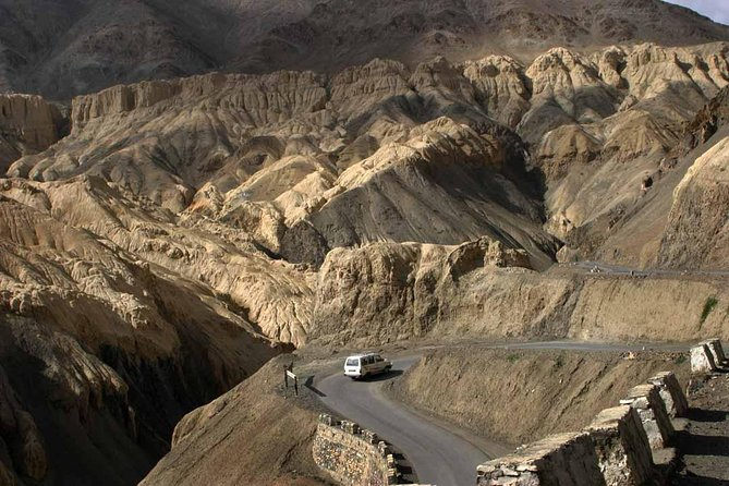 Its is a Private Ground Transfer by Toyota Innova from Srinagar to Leh, Ladakh<br><br>Max Persons Per Cab:<br><br>7 + Driver<br><br>Duration:-<br><br>2 Days & 1 Night<br><br>Places you will visit:- <br> • Sonamarg <br> • Zojila Pass <br> • And Drass War Memorial <br> • Mulbekh Monastery <br> • Fotula Pass <br> • Namkila Pass <br> • Lamayuru Monastery <br> • Moon land in Lamayuru <br> • Magnetic Hill <br> • Gurudwara Pathar Sahib <br> • Hall of Fame