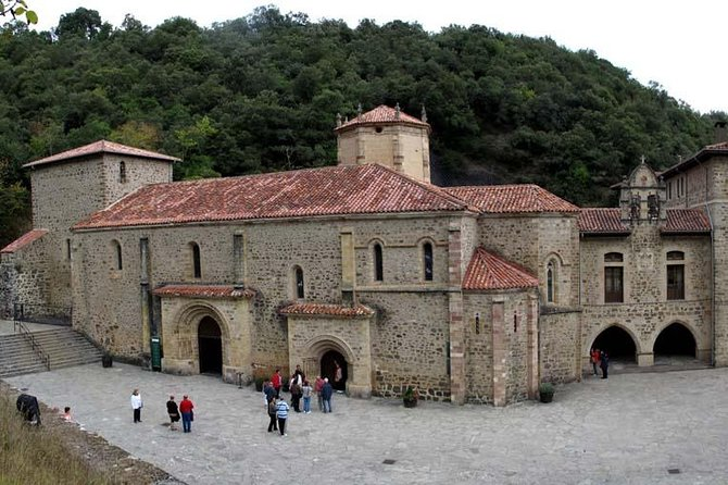 """HIGHLIGHTS <br><br>You will... <br> • cross the Gorge of """"La Hermida"""" by van <br> • make a pilgrimage on foot from Potes to the Monastery of San Toribio (about 45 min). <br> • participate in the pilgrimage mass (12.00 am) <br> • visit the hermitages of San Miguel <br> • enjoy a """"Cocido Lebaniego"""" (stewwith chickpeas and meat) <br> • visit the villageof Potes <br> • visit San Sebastian de Garabandal and its sanctuary <br> • love the landscapes of this part of Cantabria <br><br>SUMMARY <br><br>This is a lovely pilgrimage day for you to enjoy a peaceful day in the beautiful Cantabrian mountain's landscape. We propose you to do ashort pilgrimage to the Monastery Santo Toribio from Potes (3km) and to participate in the Pilgrim's mass.To complete this beautiful day, you will visit San Sebastian de Garabandal, a small village where the Virgin Mary appearedin the early 60's."""