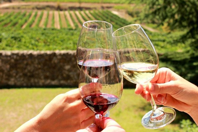 Enjoy a fun, daily group wine tour, packed with wine tastings, cheese tasting, a cellar tour and more. Make new friends, have a laugh and experience the famous Cape Winelands first hand on our daily wine tour from Cape Town all while learning about and enjoying some of the best wines in the world. <br><br> <br><br>Cape Winelands Tour Highlights:<br> • Stellenbosch city orientation <br> • Walk along Dorp Street and De Braak Street <br> • Wine tasting at two wine estates in Stellenbosch <br> • Cellar tour <br> • Cheese tasting
