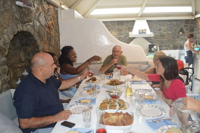 MÁS FOTOS, Traditional Lunch or Dinner with Drinks in Mykonos