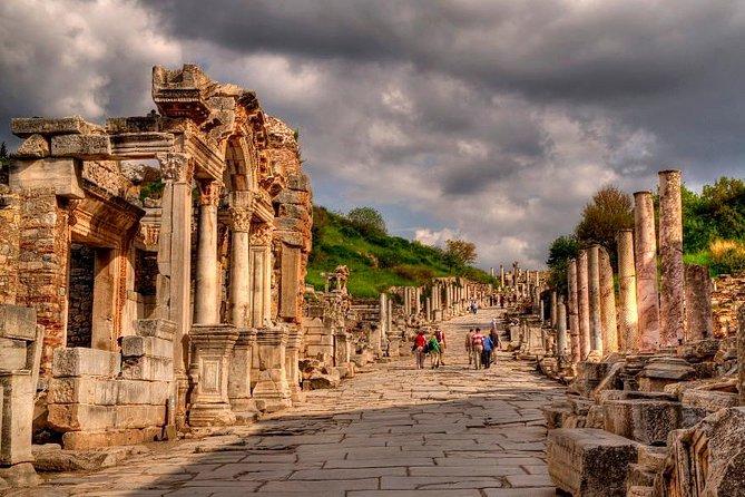 Excursão de dia inteiro pela cidade antiga de Éfeso, Casa da Virgem Maria e o Templo de Ártemis saindo do Porto Kusadasi, Kusadasi, TURQUIA