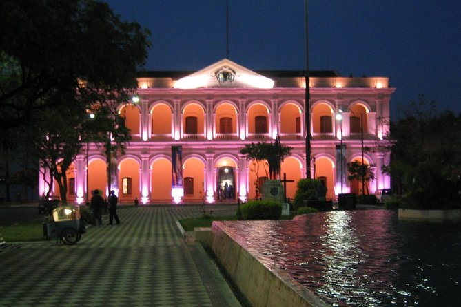 A 6-hour evening package designed for people with little time during your stay in Asuncion. Tour the capital of Paraguay at night then be whisked away to a typical restaurant where you will enjoy dinner accompanied by a live show.