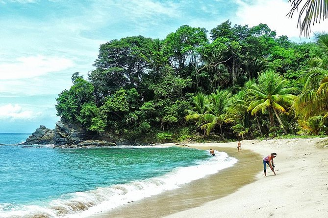 Jeannette Kawas National Park, also known as Parque Nacional Punta Sal, is accessible only by water. This 7-hour tour offers you a great opportunity to enjoy an unspoiled beach, snorkeling, hiking and wildlife.