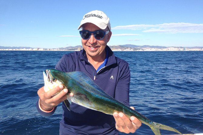 Enjoy a<br><br> fishing day on board a specialized fishing boat completely equipped for this experience. Feel as a fisherman during the hole trip accompanied by a <br><br>professional fisherman skipper fully experiencedfishing at Costa Brava's spots who will teach you the basic technics.