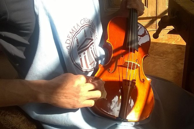 The Secret of Stradivari Violin in Cremona: visit the Violin-maker School, Parma, ITALIA