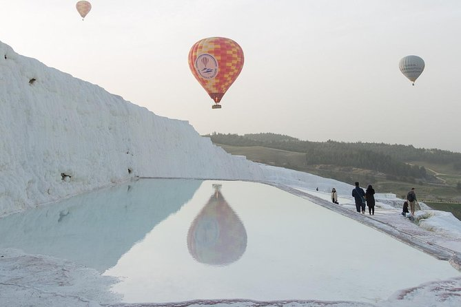 This is a great way to enjoy the Pamukkale landscape from another perspective. Enjoy a 60-minute Hor air balloon ride over the beautiful landscapes of Pamukkale for a safe, comfortable and simply unforgettable experience.