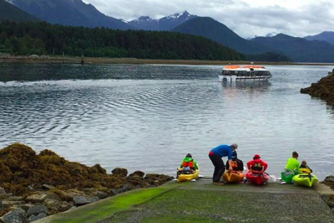 Ever wanted to Kayak before? what better setting than the Sitka sounds. This small group tour is an amazing way to explore Sitka.