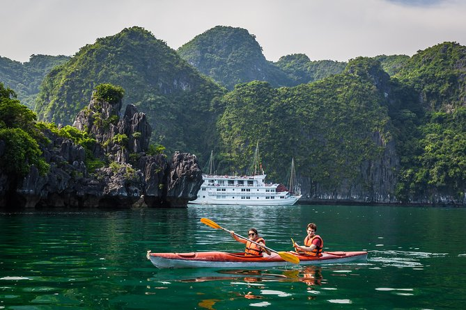 3-Day 2-Night Halong Bay Cruise from Hanoi, Hanoi, VIETNAM