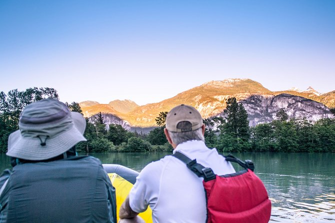 This is an ideal outdoor evening activity for families, children, seniors, and anyone looking for a gentle and fun scenic outing.The Squamish Scenic Twilight Float is a family friendlyrafting float trip that features small splashy rapids, outstanding scenery and lots of laughs shared under the setting sun.