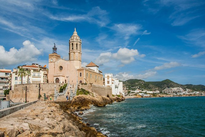 Travel back in time to the ancient capital of Hispania and enjoy the modern charm of Sitges. Live a day in the warmer shores of Catalonia. You will first travel to Tarragona, also known by its ancient name 'Tarraco', and then make your way to beautiful Sitges. Finish the day in San Sebastian, the best urban beach in Europe.