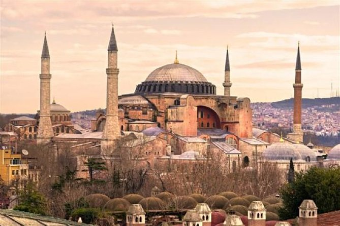 Get the great chance to see and enjoy the old town of Istanbul. Experience UNESCO site of Sultanahmet, Old Istanbul with an extensive guided walking tour. You will be amazed by magical Istanbul and it's unique sights: the Blue Mosque, Hagia Sophia and Grand Bazaar.