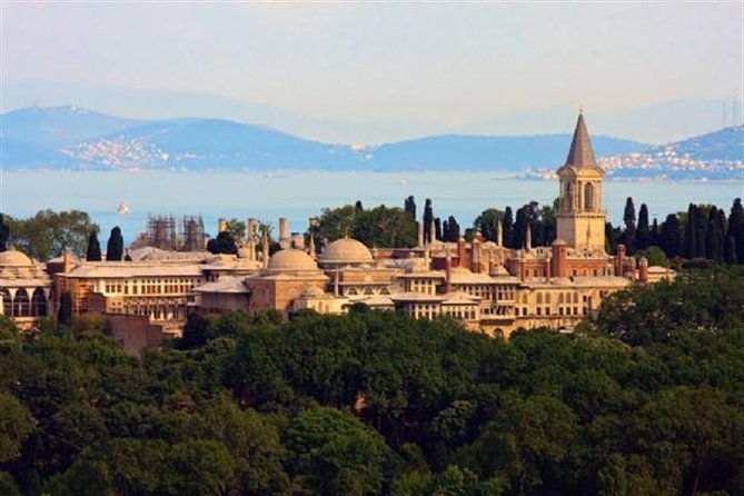 Enjoy a Half Day prioritized tour of the Topkapi Palace which one of UNESCO recognized monuments of Old Istanbul and its surroundings.  This tour will provide you the comfort of not waiting in the queues.