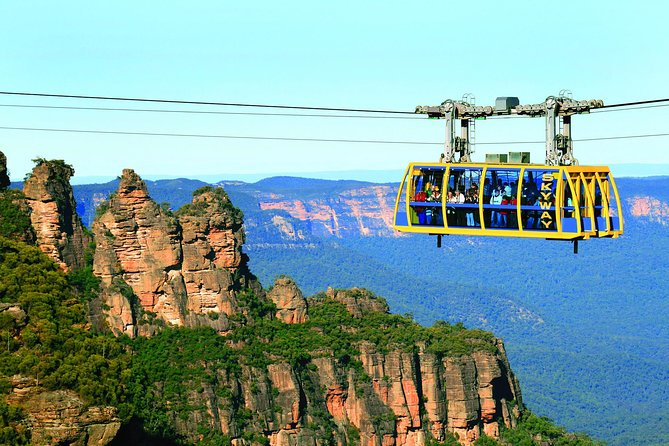 See all that the majestic World Heritage-listed Blue Mountains are famous for! Pay the one price and see it all with our expert guides in a fun small group atmosphere of 12 - 20 passengers. Highlights include Featherdale Wildlife Park, Lunch with a variety of options, Scenic Railway, Skyway and Cableway at Scenicworld, lookouts off the beaten track, Three Sisters and a river cruise back to Sydney Harbour.<br>