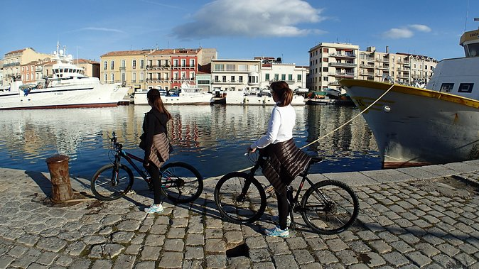 Discover Sète and laguna of Thau with a bike!