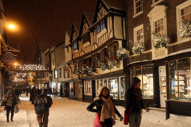 Let your own private guide take you around the world famous city of York, which is at its most beautiful during the Christmas season. Yourbespoke tour will include visiting some of the key sites of the city, in addition to a number of our hidden gems usually missed by tourists, with your well informed and friendly guides.