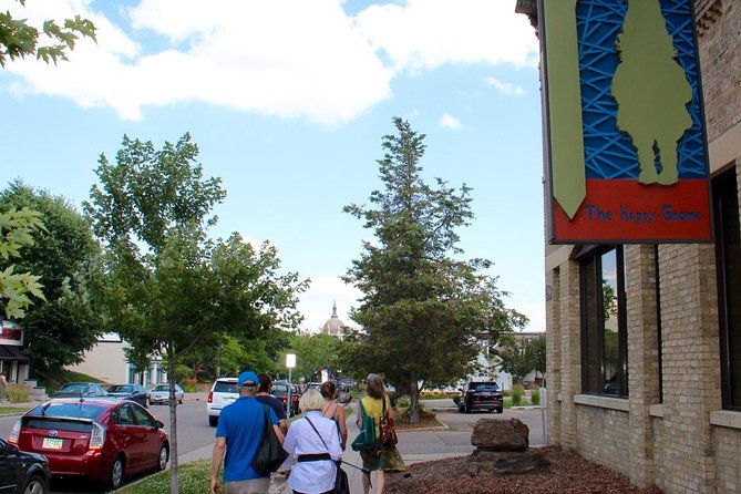 The St. Paul Historic Food Tasting and Cultural Walking Tour showcases the Cathedral Hill neighborhood. We'll visit Selby Avenue, to explore food bites from local restaurants and specialty shops, and take in a few blocks of Historic Summit Avenue. The tour route includes a stop at the St. Paul Cathedral, overlooking the Capitol city, and a look at the adjoining Rondo neighborhood.<br>