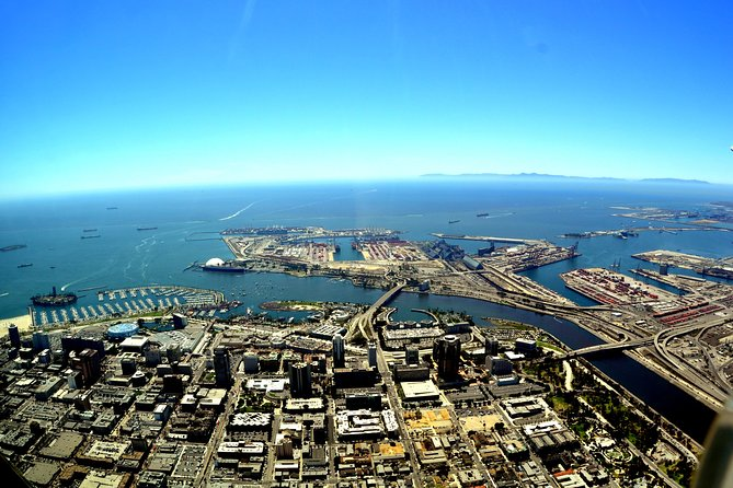 Download a vibrantly-narrated mp3 audio guide combined with a map detailing the area of your tour.<br><br>This fascinating audio tour of the beautiful sunny and vibrant Long Beach in California will take you on a fun journey where you will see sights such as the magnificent RMS Queen Mary and the famous Long Beach Grand Prix.