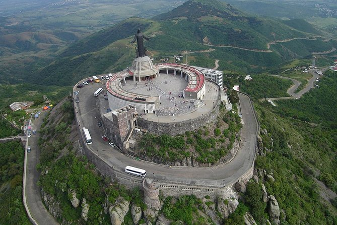 """Visit the geographical center of Mexico (Cerro del Cubilete), where the majestic monument is raised to """"Christ the King of Peace"""" which is one of the religious sites most visited in Mexico by the Catholic faith of the people at its peak."""