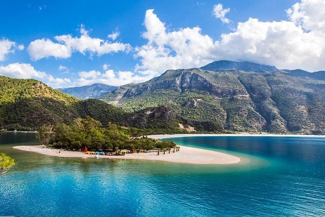 Boat trip from Oludeniz Blue Lagoon to Butterfly Valley and Gemiler Island with lunch, Fethiye, TURQUIA