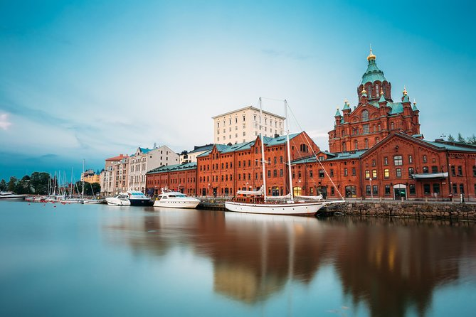 Looking for a well-organized HelsinkiHighlights Tour to soak in the culture and historical importance of this stunning Finnish capital city? If yes, then our guided Helsinkisightseeing with deluxe van and local professional guide is worth considering. This complete Helsinkitour reflects the numerous sides of the city – from the picturesque seaside vistas to the ultra-modern architecture of the city center.