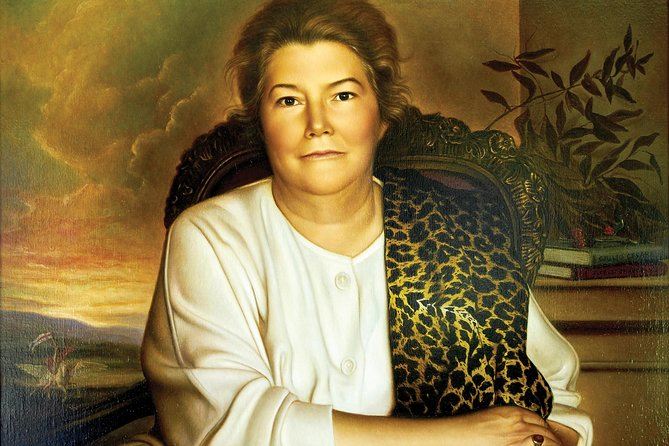 """This two hour tour visits the home of the iconic Australian author, Colleen McCullough.Her beloved property """"Out Yenna"""" is now open exclusively to Baunti Escapes customers. Be escorted through her magnificent home and view Ric and Colleen's priceless collection of artefacts gathered on their travels all over the world."""