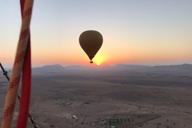 Agadir sunrise balloon offers you the most authentic hot air ballooning experience in front of the High Atlas Mountains and over amazing views. The different colors of diversified landscape will leave you breathless. Not to be missed!