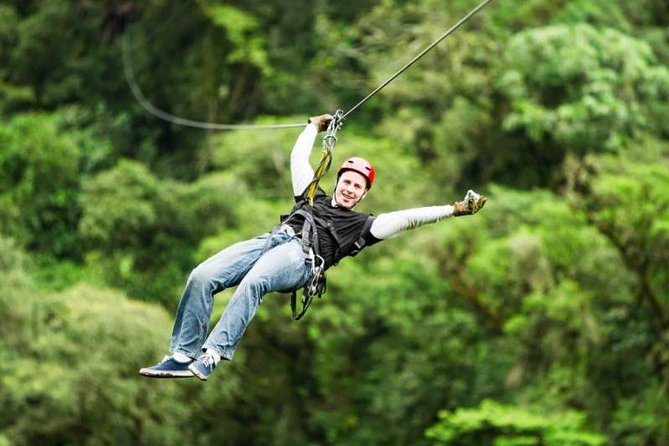 Undoubtedly, the most famous canopy tours are found on the mountains that surround the great lake of Atitlan and in the mountain forest that is one of the seven types of forest in Guatemala. This region is located in the central highlands where the landscape is made of a brushstroke.