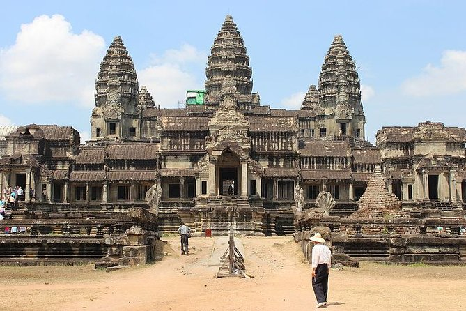 Visit the temples of Cambodia on this 12-hour guided tour. See Angkor Thom and its South Gate of Angkor Thom, as well as Bayon, Bapoun, PimeanAkas, Terrace of theElephants, and the Terrace of the Leper King. Visit Taprom temple, the majestic Angkor Wat,Tonle Sap, one of the largest freshwater lakes in Asia and its floating village.Return to town for dinner andenjoy awonderfulApsara dance show.