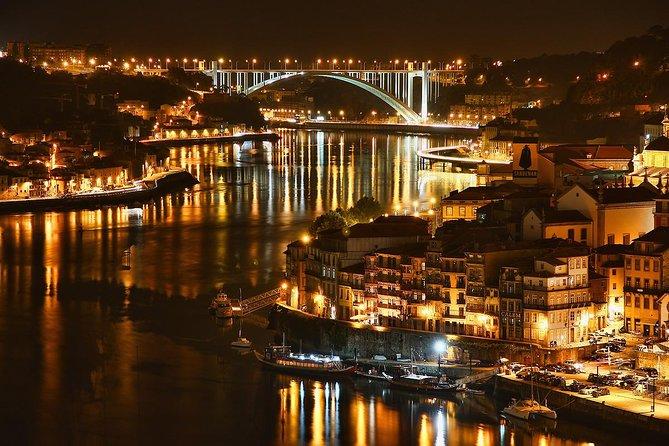 Porto City Tour Medio día con cena y espectáculo de fado en vivo, Oporto, PORTUGAL