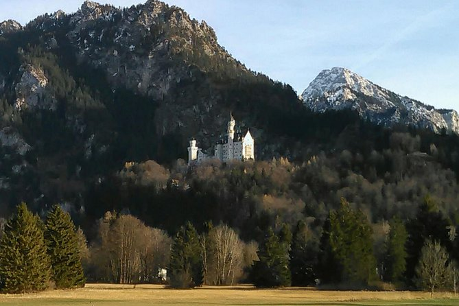 This skip the line 2-3-hour half day tour express begins in Füssen at 9:00am it´s included the skip the line ticket to Neuschwanstein castle and transportation only one way to Hohenschwangau village<br><br>Note: This tour accommodates, ticket and tour to the castle. Your driver is not responsible for the actual tour of the castle and is not required to enter with your group and not transport up to the Entrance castle and not incl.horse carriage or shuttle bus up and down to the castle entrance.  <br><br>Our Skip the lineTicket are more expensive than official ticket center,but very efficient:our service for you that we can guarantee that you skip the long line,save time and stress.<br><br>Return to Fuessen Station by public bus ( at your own expense) 2,50€