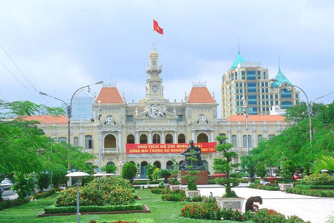 Full-Day Ho Chi Minh City and Cu Chi Tunnels Tour with Lunch, Ho Chi Minh, VIETNAME
