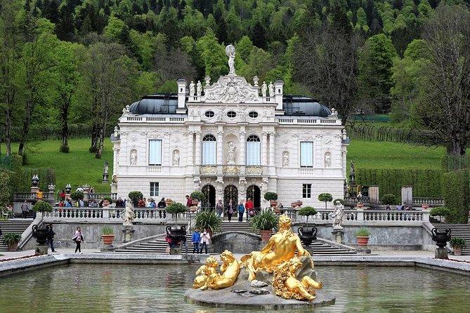 Neuschwanstein and Linderhof Castle Private Tour from Munich, Munique, Alemanha