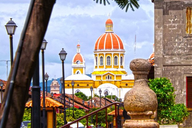 This day we will discover the beauty of this colonial city with the Islets of Granada, also we will visit one of the most active volcanoes in Nicaragua, Masaya Volcano, on this nice trip we will enjoy also the artcraft market, where you will have some free time to choose from a wide variety of handmade souvenirs done by Nicaraguans hands, also we will visit, the nicest viewpoint of the pacific of Nicaragua and will enjoy of San Juan the oriente famous for the pottery that they have being doing since indigenous time. <br> • 9 hours tour to discover two of the most visited cities in Nicaragua. <br> • Witness one of the most active volcanoes from its own rim. <br> • Stroll through the colonial city of Granada to discover its rich history. <br> • Enjoy the best view overlooking, Apoyo crater, Lake, Granada city, Lake Nicaragua, Mombacho Volcano and granada's rice fields <br> • Perfect sunset from the Islets of Lake Nicaragua.