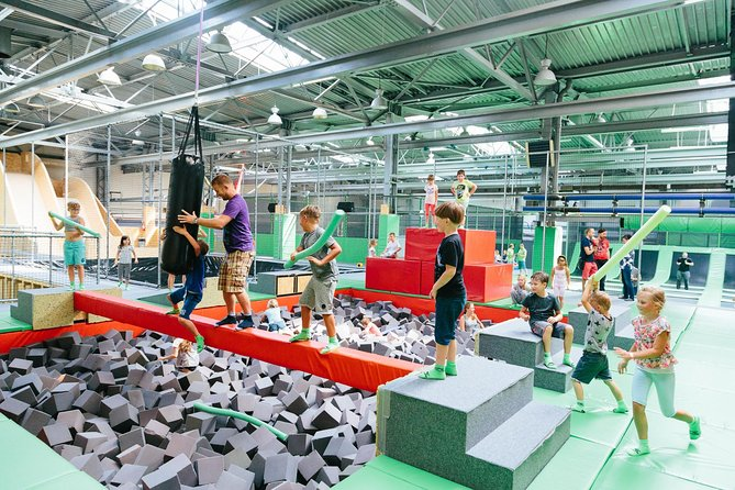 MAIS FOTOS, Great fun in GOjump Wroclaw Trampoline Park - DAY TICKET