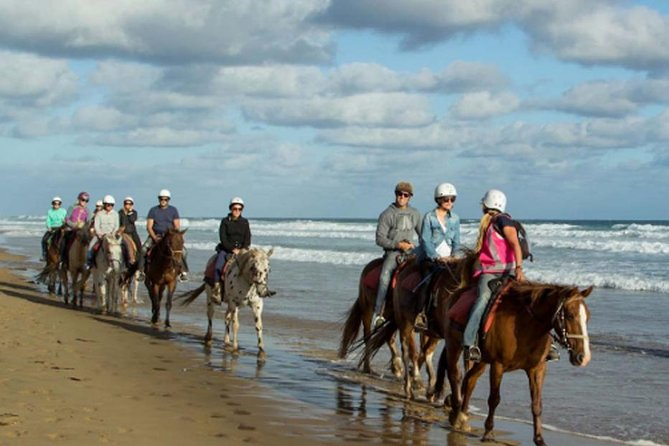 Relish your challenging and amusing full day trip by an adventurous horse riding at Black Sand Beach Bali before heading for Pura Lempuyang Luhur, is one of Bali is oldest and most highly regarded temples, and Tirta gangga, one of the prominent tourist destinations in eastern Bali and it is one of the stop points of tourist destination. It will the best enjoyable experience that you will never forget.<br>